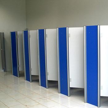 divisoria-banheiro-pvc-azul-2.png