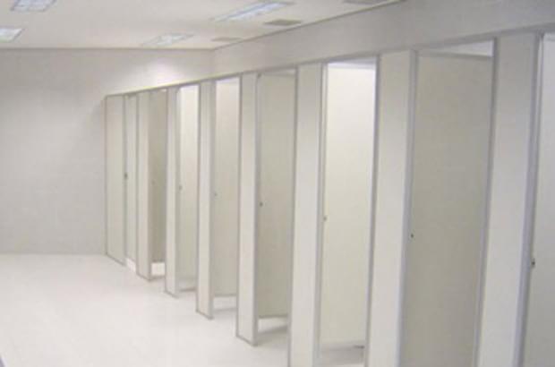 divisoria-banheiro-pvc-gelo.jpg