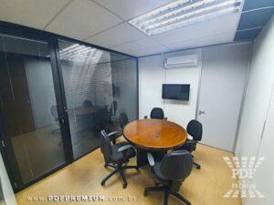 montar sala de reunião com mesa redonda